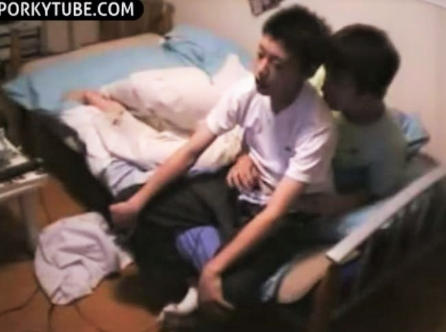 asian couple wanking and gaming